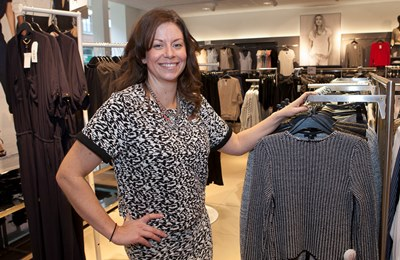 Talented Designer Jayne Takes Charge At Wrexham S H M Fashion Store