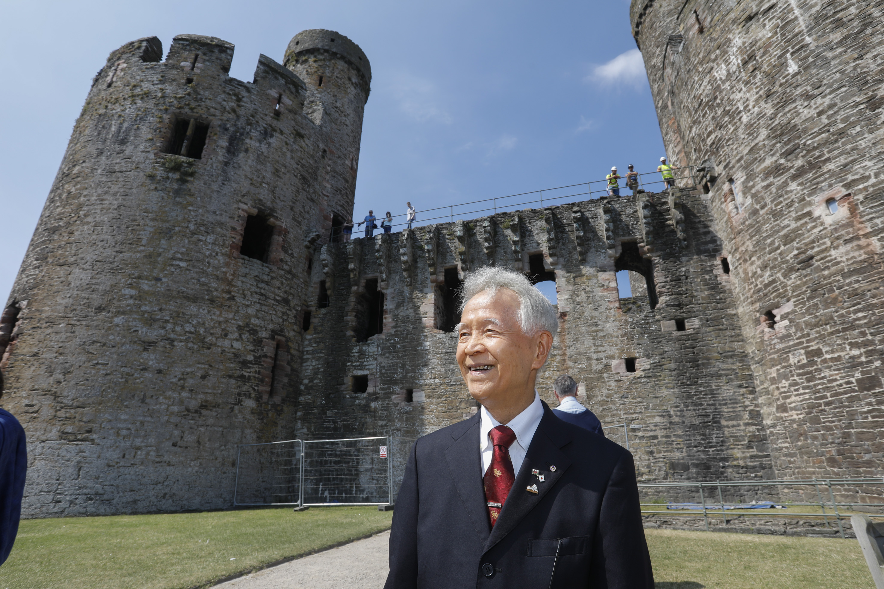 Pictured  Mayor of Himeji, Toshikatsu Iwami  at Conwy Castle.